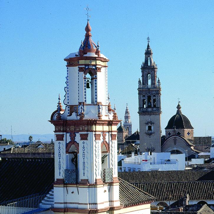 Espadaña de Santa Isabel, Écija. Sevilla. Mortero de cal natural y jabelga
